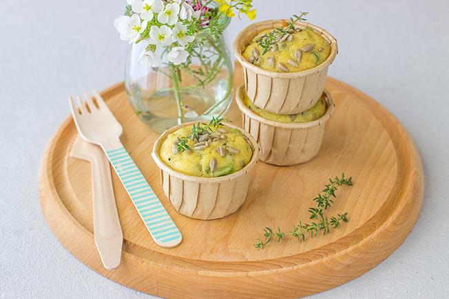 Muffins salati con asparagi e piselli