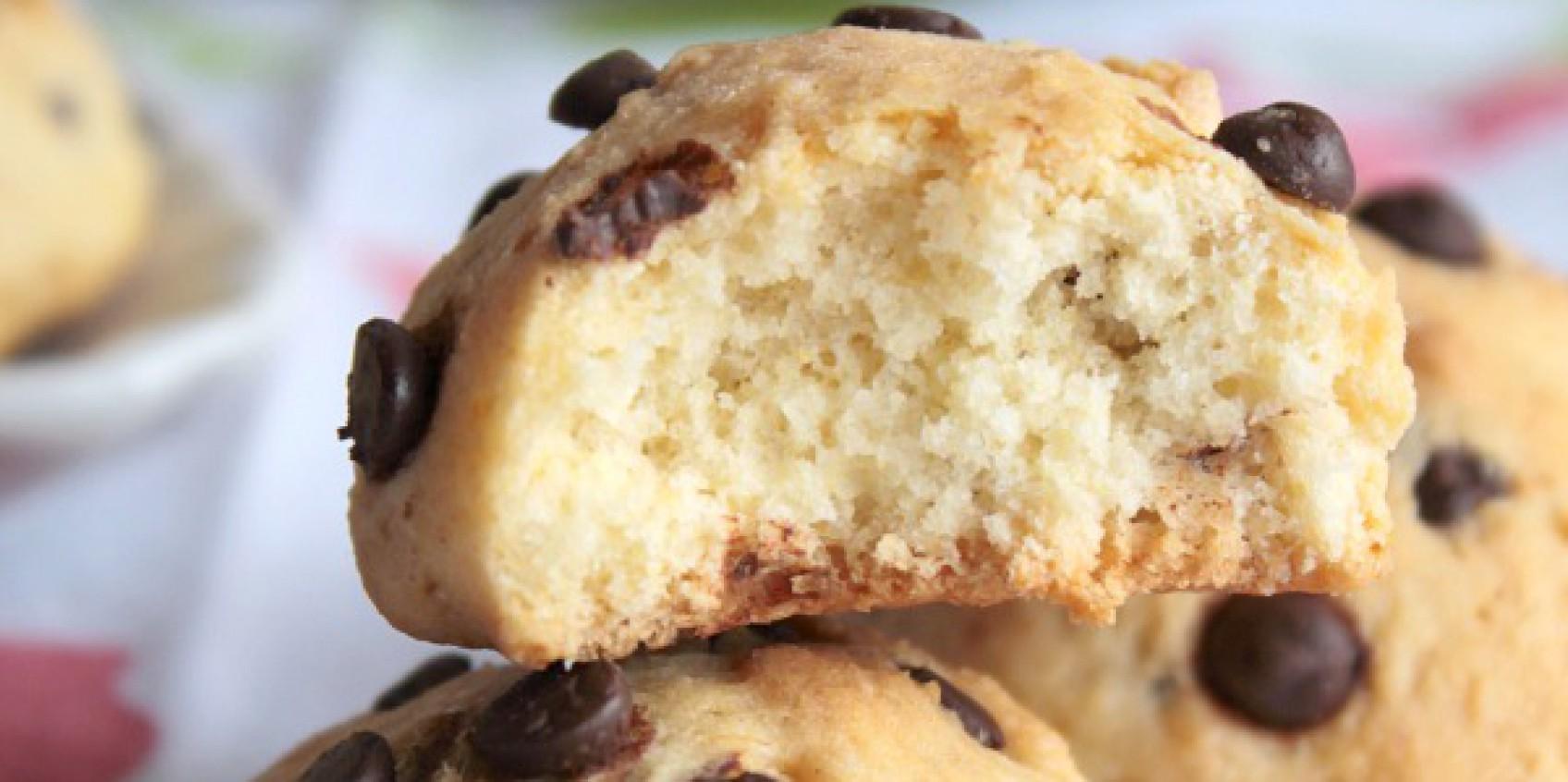 Biscotti con gocce di cioccolato vegan
