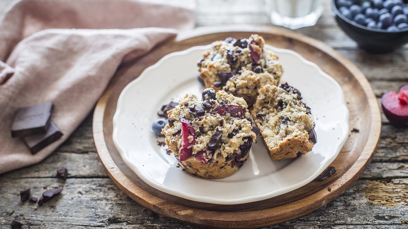 Muffin con cioccolato e frutta