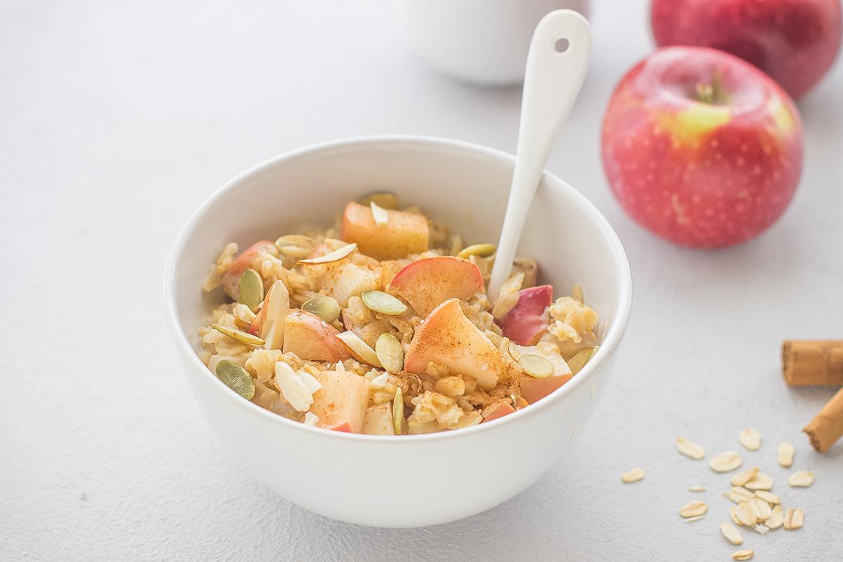Porridge alle mele e cannella